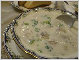 ブロッコリーとマッシュルームのスープ