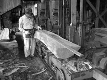 製材職人:高橋木材代表
