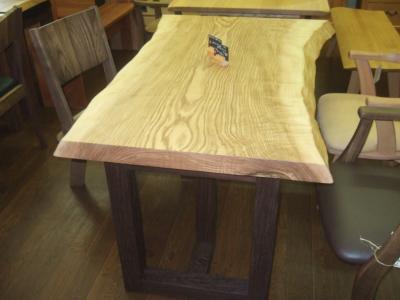 タモ一枚板テーブル2