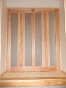 玄関引き違い戸