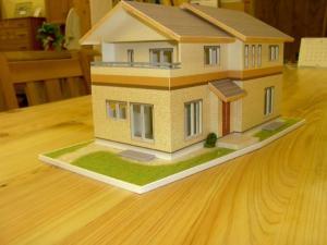 「木の香る土佐和紙の家」模型