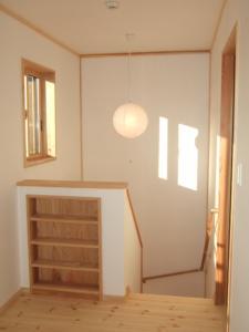 階段収納棚