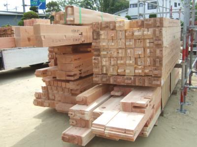 建て方の木材