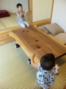 土佐杉のテーブル