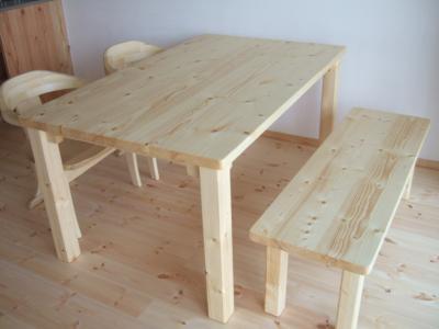 パインのテーブル