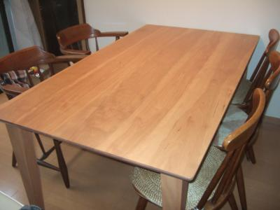 樺桜のダイニングテーブル
