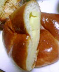 ラ・モーレ クリームパン.JPG