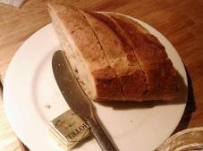 つばめグリル パン.jpg