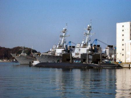 イージス駆逐艦
