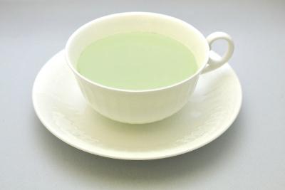 深蒸し煎茶の練乳ミルクティ