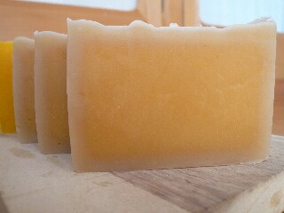 アーモンドオイル石鹸