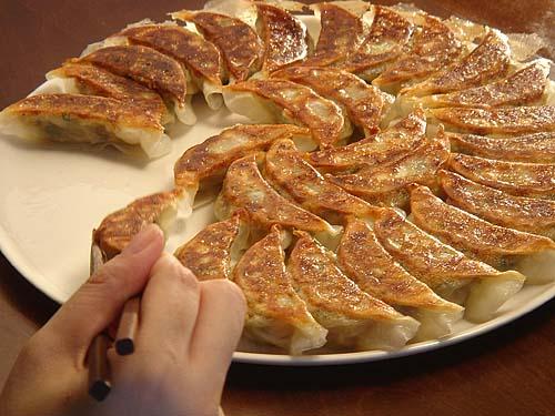 焼き面美しい餃子。