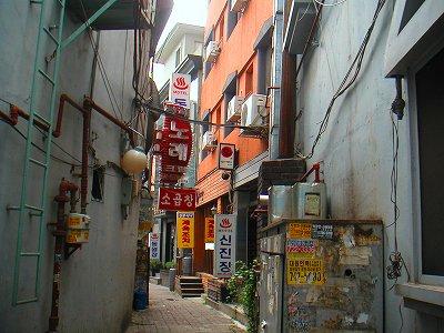 東元荘旅館がある通り