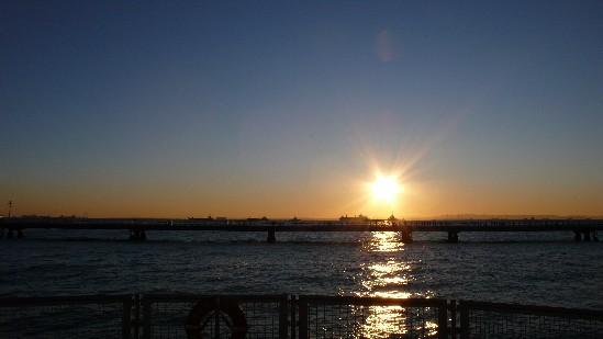 海釣り公園の朝日.jpg