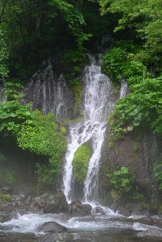 吐竜の滝2.jpg