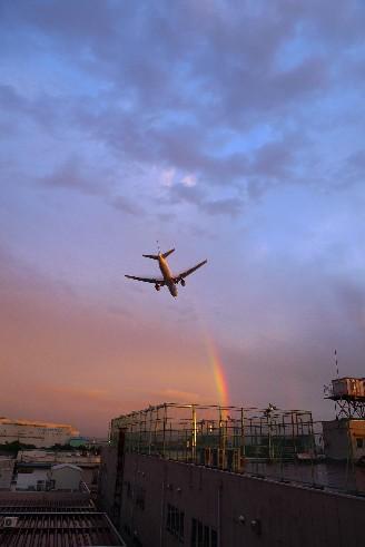 2009.7.27の虹と飛行機.jpg