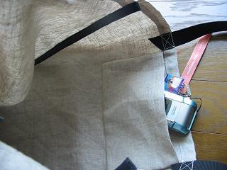 ハンドメイド リネンのショッピングバッグ ポケット