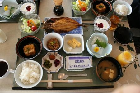 鳩山邸の朝食