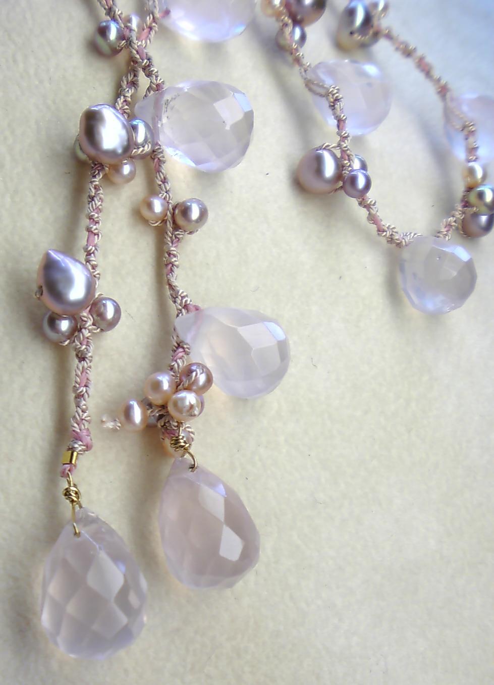 Roseと真珠の姫ネックレス