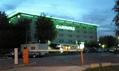 夕闇のホテル