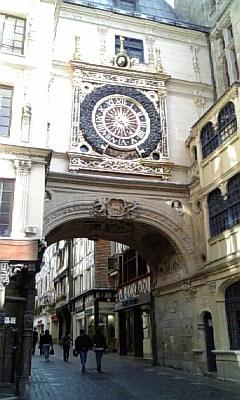 通りの由来になった大時計