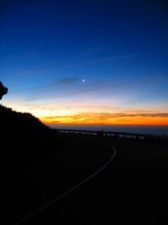 道路の夜景.jpg