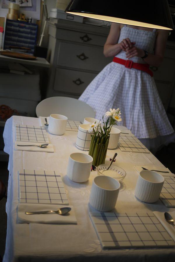 なんとも可愛らしいテーブルセット.JPG