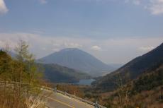 男体山と湯の湖