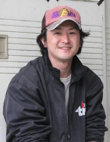 仁岸厩務員