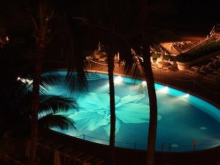 ハレクラニプール夜景