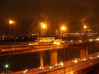 部屋から見た淡水河の夜景