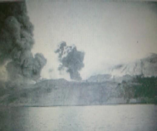 大正大噴火黒神村海岸線・浜嶋沖1285・12月19日.jpg