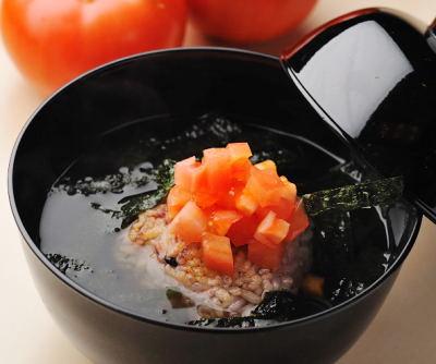 雑穀とトマトの茶漬け