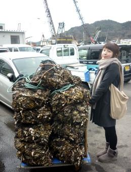 ずうさんと牡蠣の山