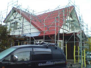 真っ赤な屋根