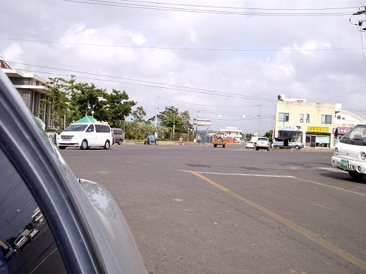 バスを追いかけた道の近くの交差点4JPG.JPG