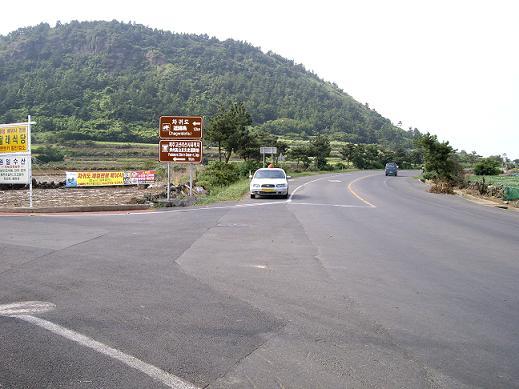 バスを追いかけた道の近くの交差点2JPG.JPG
