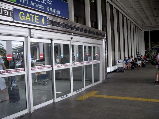 済州島空港出口ゲート4。。JPG.JPG
