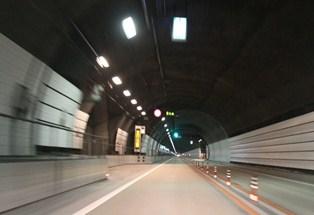 16 (175) トンネル内信号.JPG