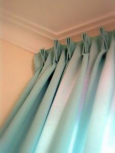 3つひだカーテン