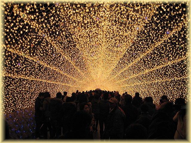 なばなの里 イルミネーション (光の回廊)