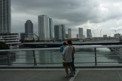 そごう、日産連絡橋上から 海側を望む