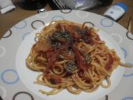 トマトとバジルのシンプルスパゲティー