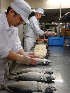 鯖のお寿司作ってます♪