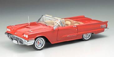 赤のフォード.jpg