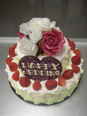 飴細工バラ 『焼きチョコのタワー』が乗ったいちごのケーキ お二人が末永く幸せであり... 豪華★