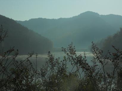 696湖の道.JPG