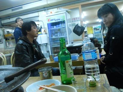 2001食堂の客.JPG
