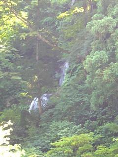 龍神の滝遠望