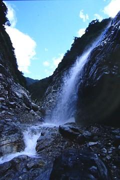 小石パラパラ滝